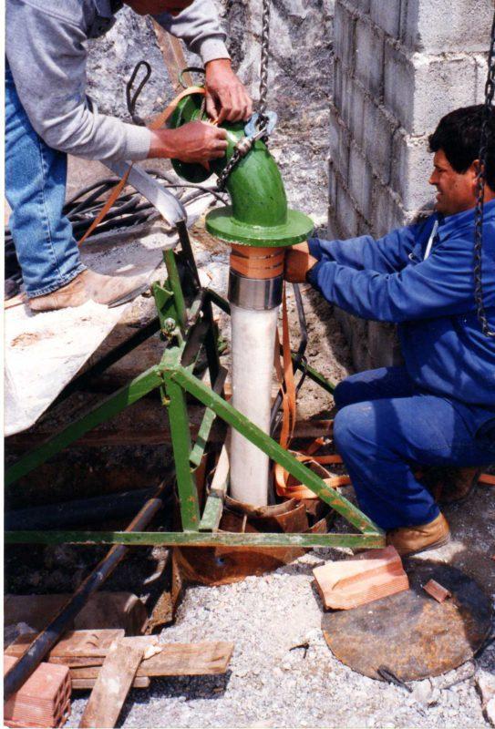 Bomba en pozo.